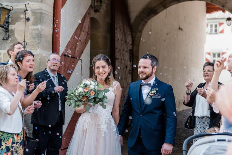 04_Hochzeitsfotografie_Hochzeitsfeier_Hochzeitstorte_CarinaPlößlFotografie_0001