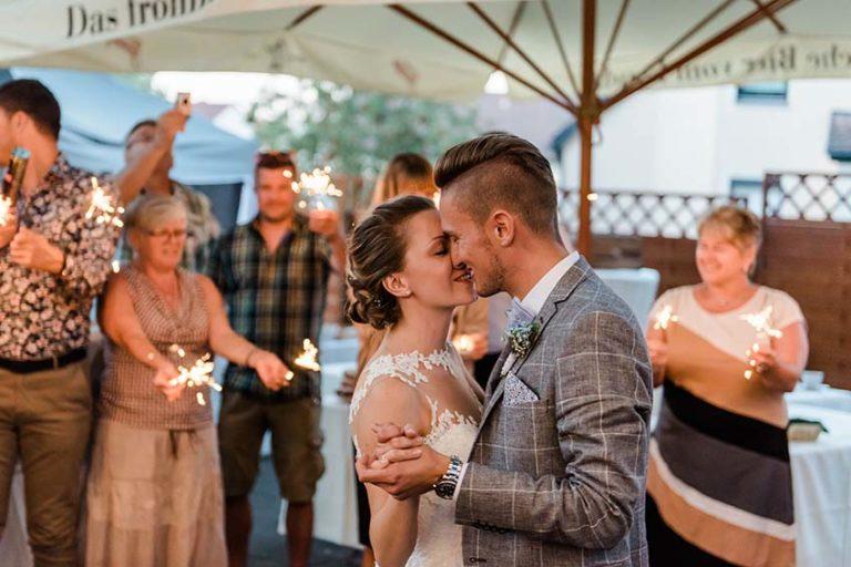 08_Hochzeitsfotografie_FirstDance_Eröffnungstanz_CarinaPlößlFotografie_0002